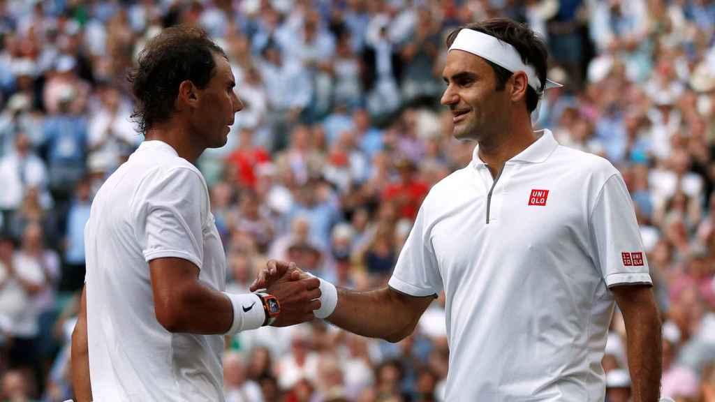 Rafa Nadal con Federer en Wimbledon 2019