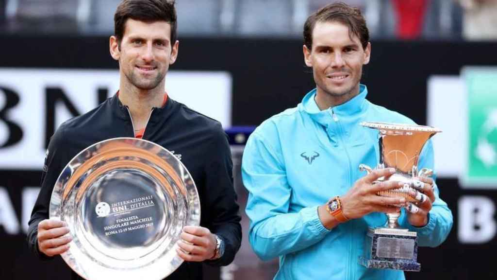 Rafa Nadal y Djokovic tras la final de Roma 2019 que se llevó el español