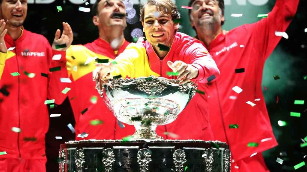 El equipo español de la Copa Davis celebra el título conseguido