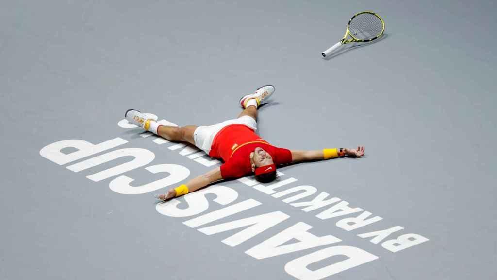 Rafael Nadal celebra el punto definitivo que da a España la victoria en la Copa Davis 2019