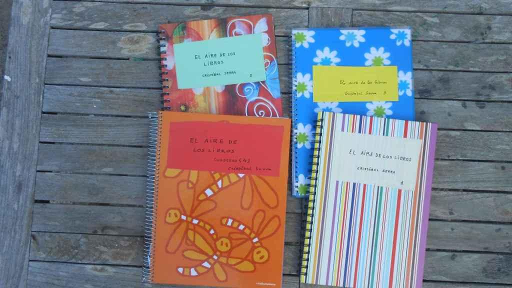 Cuadernos de Cristóbal Serra encontrados en un baúl de su casa.