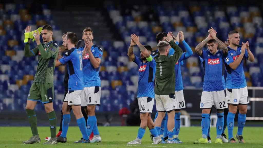 La plantilla del Nápoles tras un partido de Champions