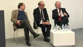 Francesc de Carreras, Nicolás Redondo y César Antonio Molina, durante el acto de este martes.