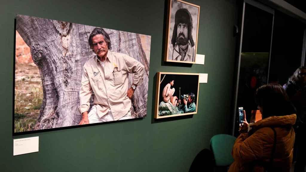 Vista de la exposición sobre Miguel de la Quadra-Salcedo, 'Una vida de aventura'.