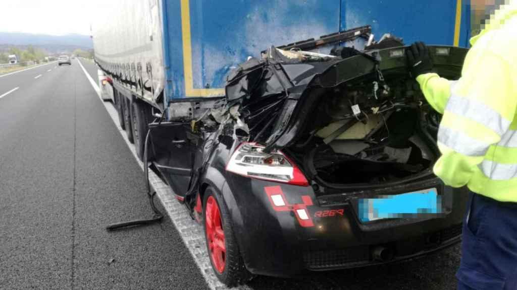 El coche de 'El Kepa' tras el accidente.