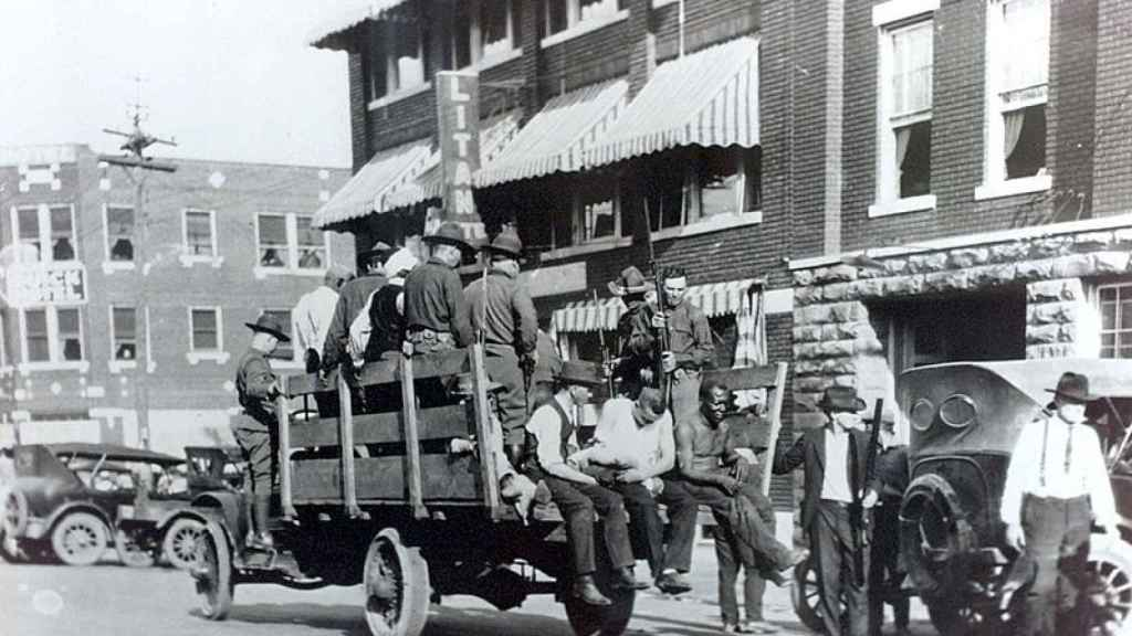 Inicio de la masacre de Tulsa en 1921