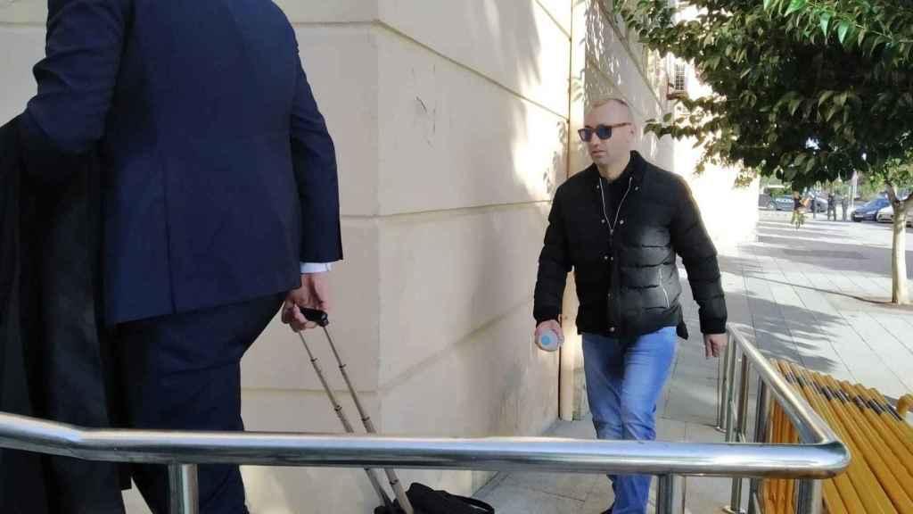 Francisco Tejón a su entrada en la Audiencia Provincial de Cádiz este jueves