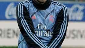 Gareth Bale, calentando sobre el césped de Mendizorroza