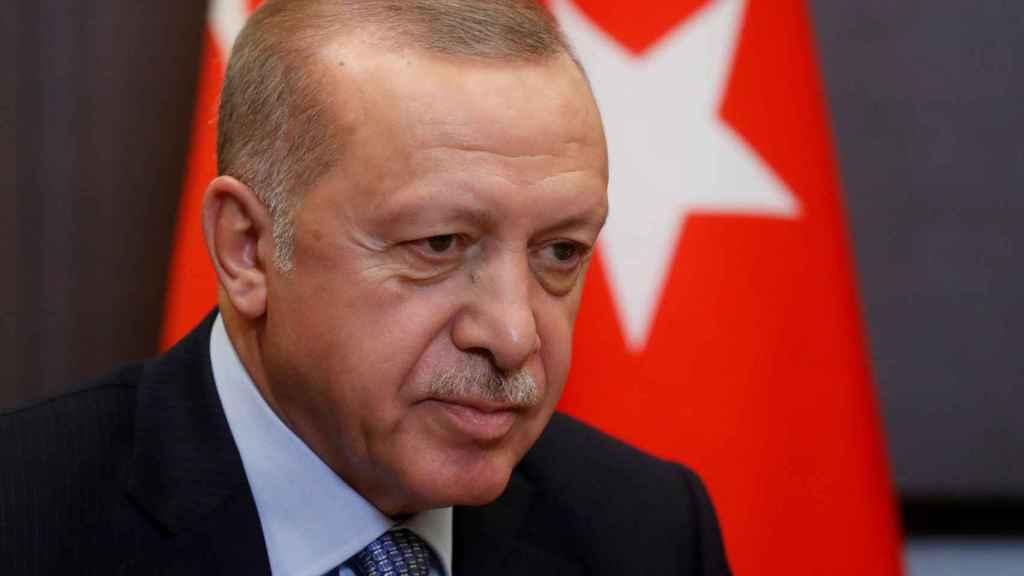 Recep Tayipp Erdogan ha arremetido contra Emmanuel Macron por cuestionar su actuación en Siria