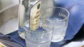 Bebidas alcohólicas listas para ser consumidas.