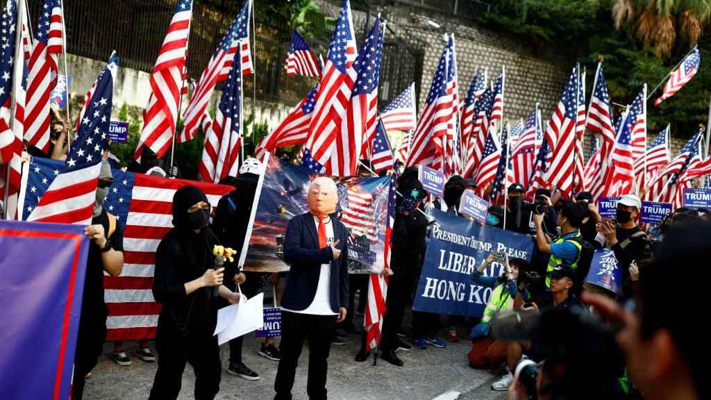 Un manifestante vestido de Trump, durante laMarcha de agradecimiento a los EEUU