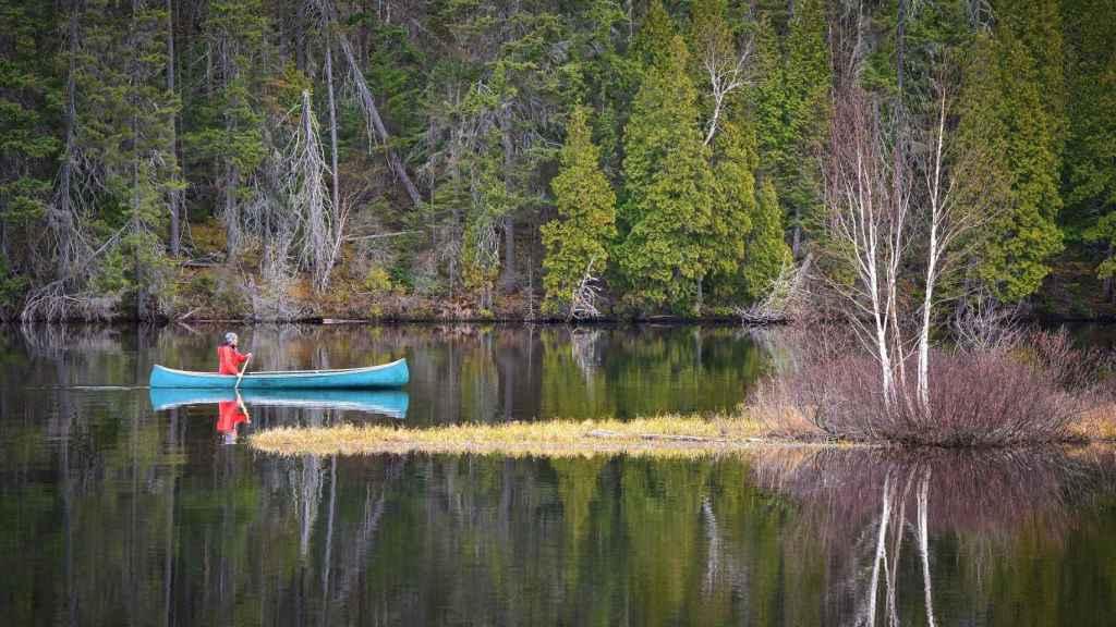 Disfrutar del deporte en entornos naturales es una buena forma de hacer turismo.