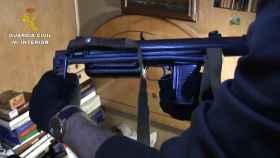 Una de las armas intervenidas en el taller clandestino de Miranda de Ebro.