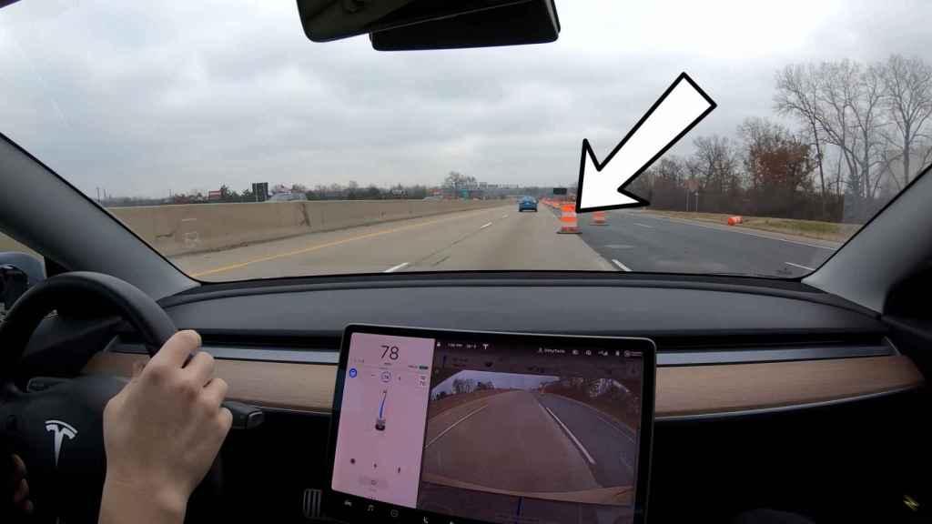 El Autopilot ya es capaz de reconocer objetos como conos de tráfico