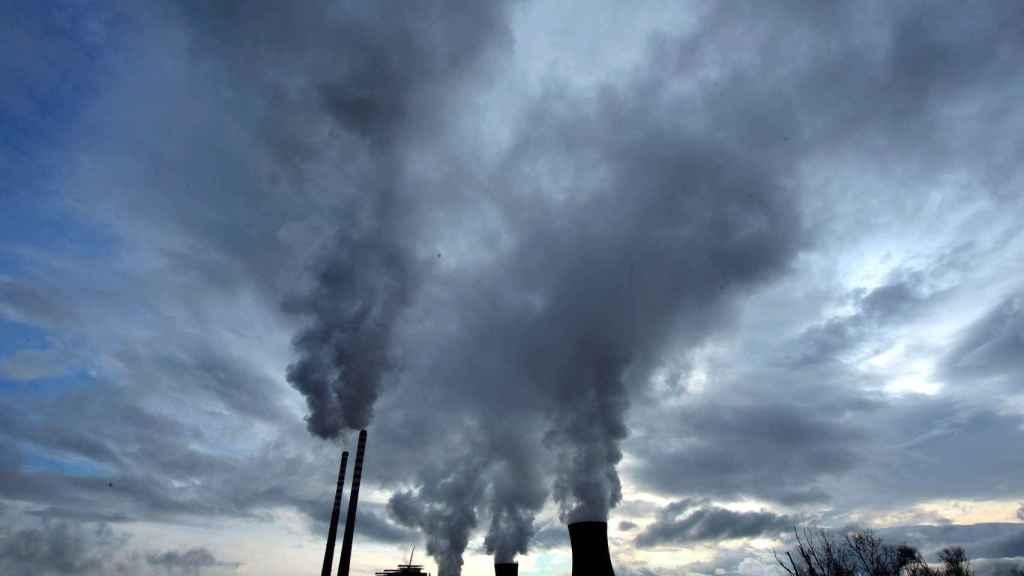 Vista de la planta térmica de carbón en Bitola, Macedonia, el 15 de diciembre de 2009.