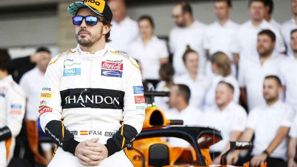 Fernando Alonso, en una fotografía oficial con McLaren
