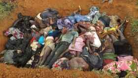 Las víctimas de la limpieza étnica de los fulanis son enterradas en fosas comunes