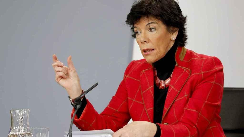 Isabel Celaá, portavoz del Gobierno, este jueves tras el Consejo de Ministros en Moncloa.