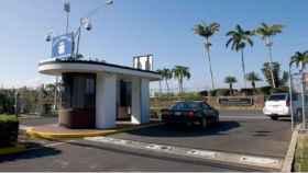 Entrada a la base militar de Pearl Harbor.