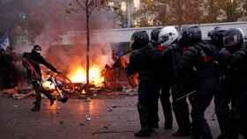 Más de 6.000 agentes han sido movilizados en París para controlar los altercados