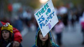 Una participante de la Marcha por el Clima este viernes en el centro de Madrid.