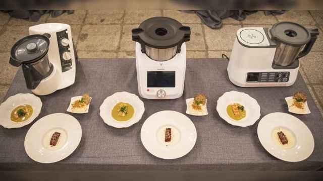 Robots de cocina con los tres menús de izquierda a derecha: Thermomix, Lidl y Aldi.