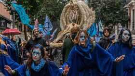 El movimiento Extinction Rebellion se ha manifestado este domingo en Madrid con una marcha por los océanos muertos.