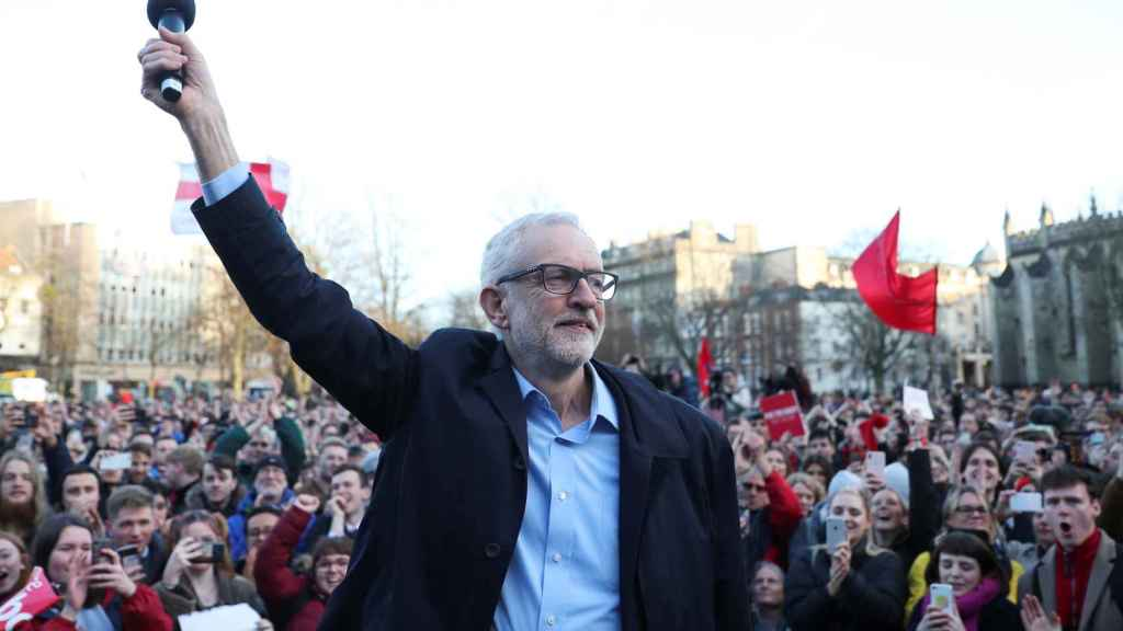 Jeremy Corbyn en un mitin electoral en Bristol