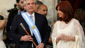 Alberto Fernández junto a Cristina Fernández de Kirchner durante su investidura.