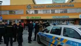 El hospital checo donde ocurrió el tiroteo.