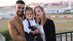 Javi tenía previsto casarse con Jenni el próximo año, con quien tenía una hija de casi tres años.