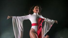 Rosalía, durante su concierto en el WiZink Center de Madrid.