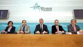 El presidente de la Diputación de Toledo, Álvaro Gutiérrez, y su equipo, este martes en rueda de prensa. Foto: Óscar Huertas