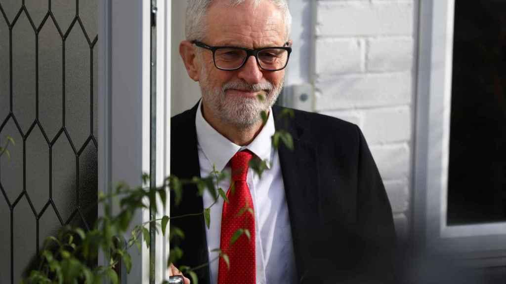 Jeremy Corbyn dimitirá como líder laborista en enero