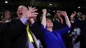 Nicola Sturgeon celebra su victoria en las elecciones.