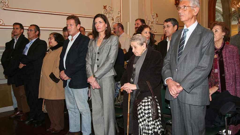 Mercedes Rajoy junto a su hermano Luis en una imagen de 2014.