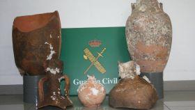 Ánforas romanas recuperadas por la Guardia Civil en otra operación.