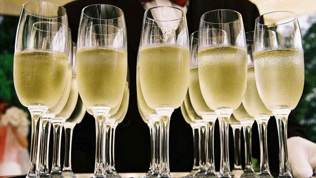 El cava y el champán se elaboran con el mismo método.