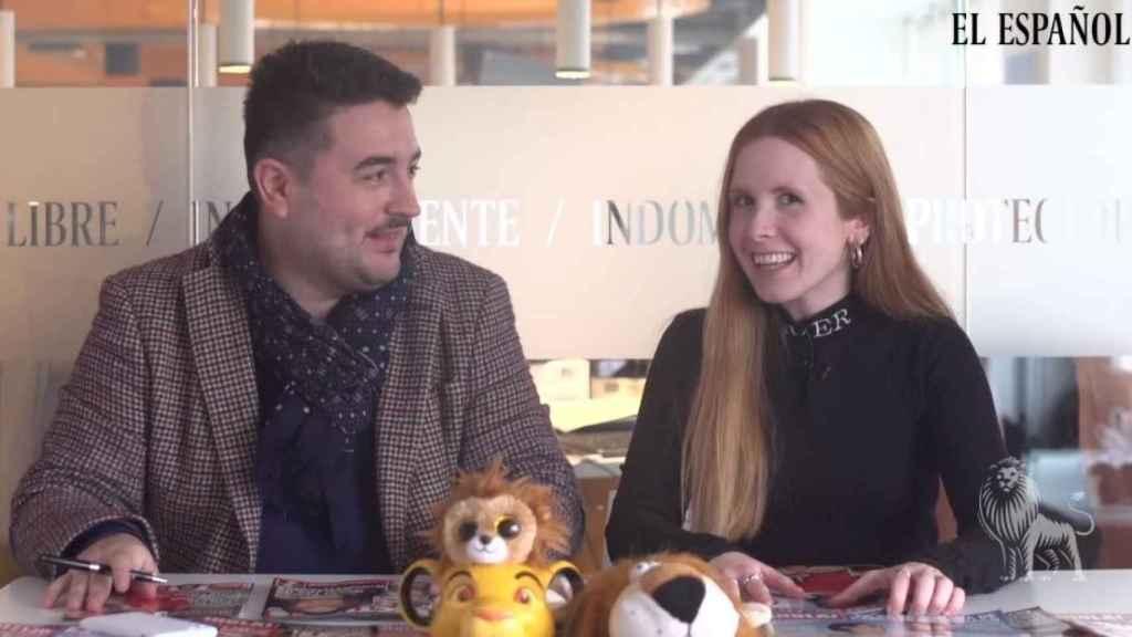 Jesús Carmona y Ane Olabarrieta en la redacción de EL ESPAÑOL.