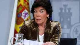 Isabel Celaá, portavoz del Gobierno, este viernes en el Palacio de la Moncloa tras el Consejo de Ministros.