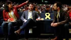 Marta Vilalta, Pere Aragonès y Roger Torrent ante el asiento vacío de Oriol Junqueras, en el 28º congreso de ERC.