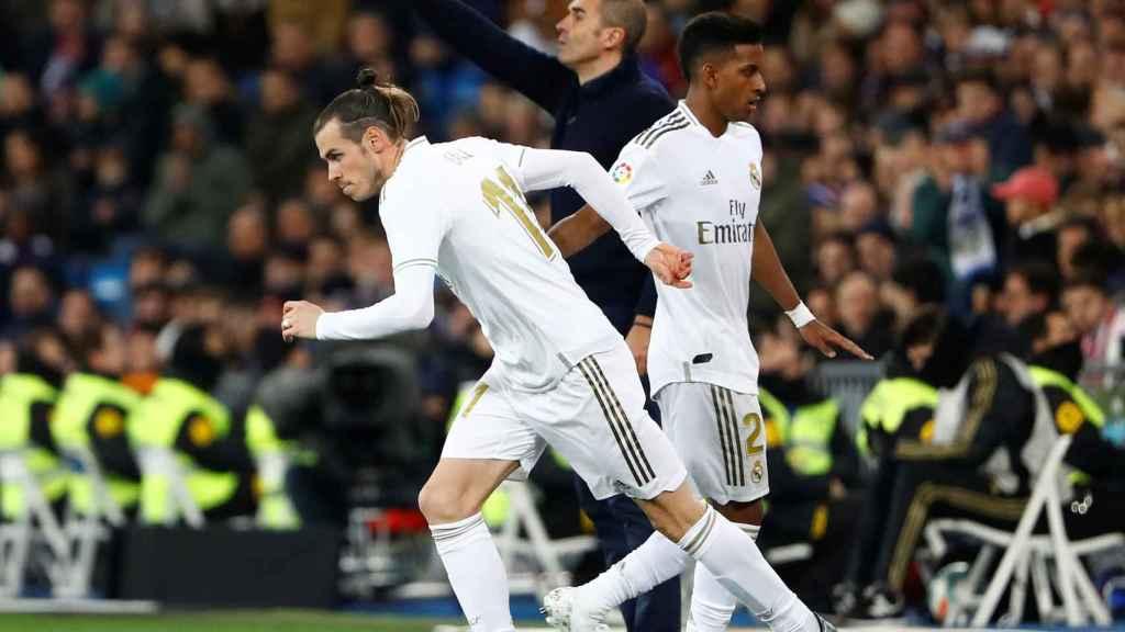 Gareth Bale salta al campo en sustitución de Rodrygo