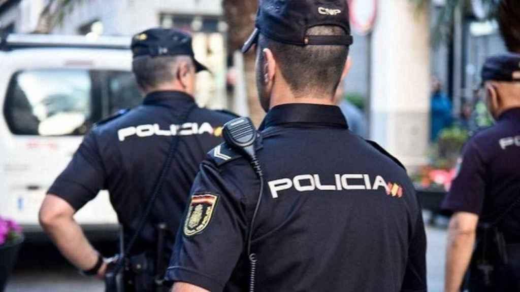 Imagen de varios policías nacionales.