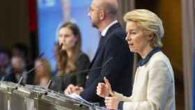 Ursula Von der Leyen y Charles Michel, durante la rueda de prensa de la última cumbre de diciembre