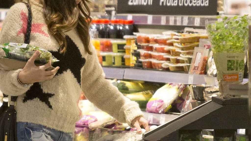 El sobreenvasado de frutas y verduras es un factor de contaminación por plástico.