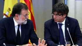 Mariano Rajoy y Carles Puigdemont en 2016.