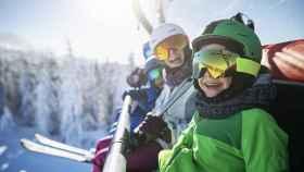 ¿Pasas la Navidad practicando deportes de invierno? Estas son las mejores prendas
