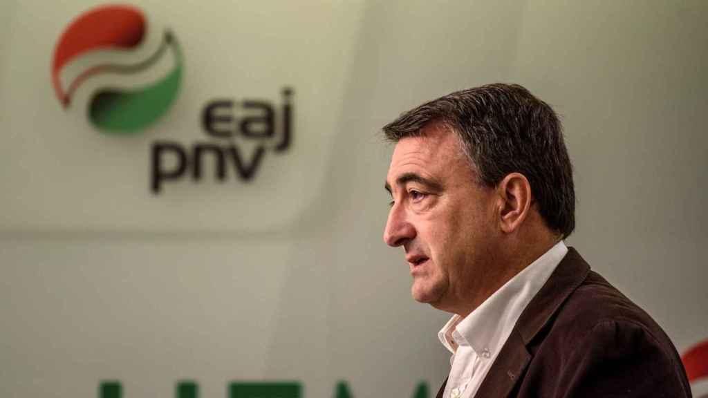 Aitor Esteban, portavoz parlamentario del PNV, en rueda de prensa