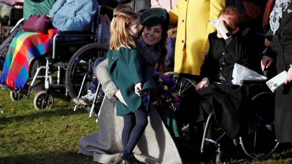 Kate Middelton con la princesa Charlotte.