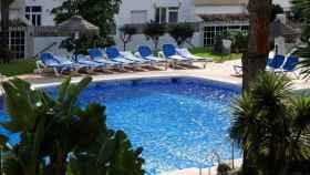 La piscina donde se produjeron los hechos, en Mijas (Málaga).